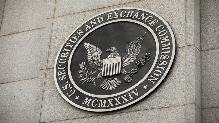 Market Wrap: Bitcoin Reaches $61K as SEC's ETF Deadline Nears