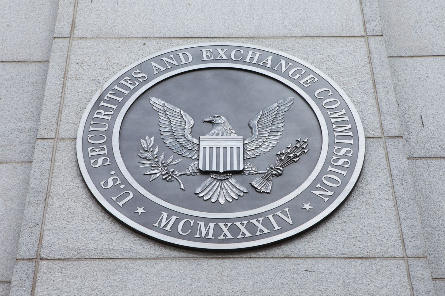 ETF Issuer Direxion Files for Short Bitcoin Futures Product